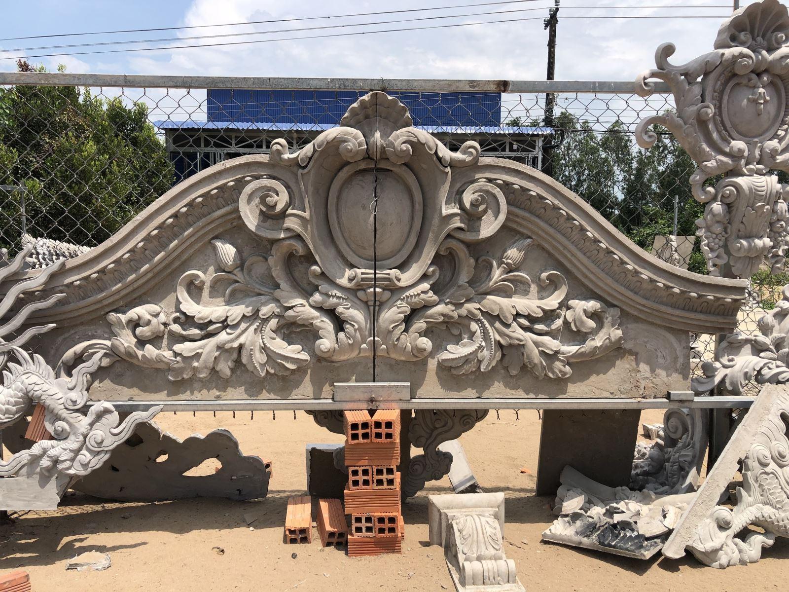 Điêu khắc phù điêu với tranh đắp bằng xi măng