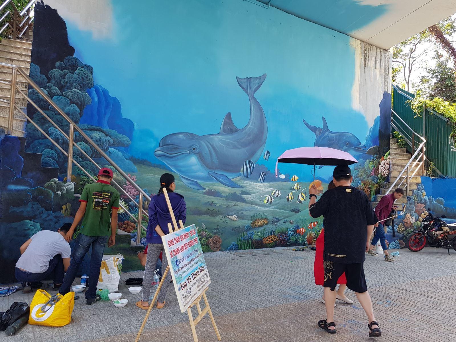 Vẽ bức tranh tường khu phố Nha Trang - VẼ CẦU VƯỢT BIỂN TP NHA TRANG