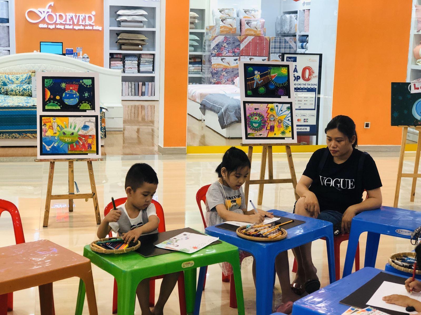 lớp vẽ cho bé từ 12 đến 15 tuổi - trung tâm dạy vẽ Mỹ Thuật Sài Gòn